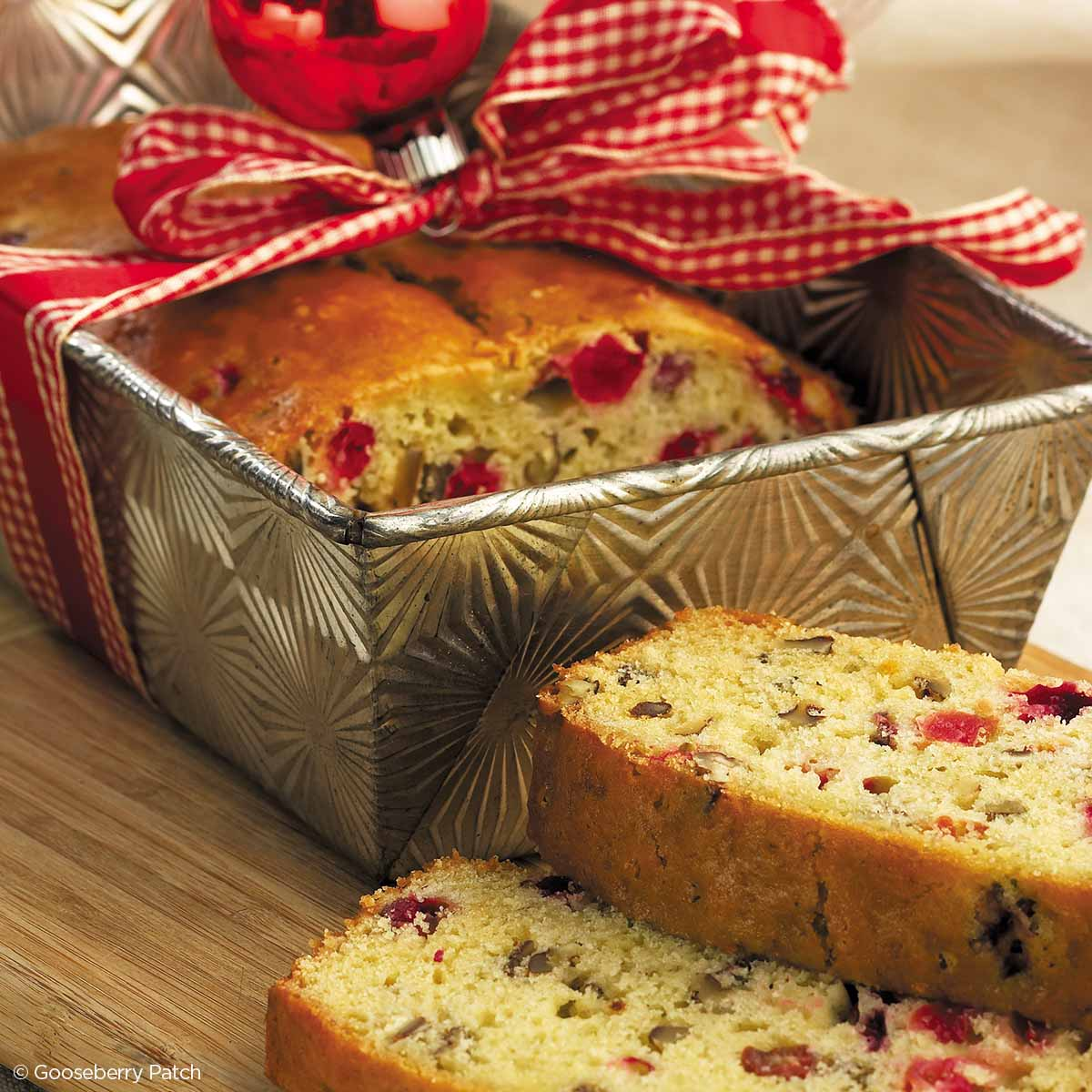Gooseberry Patch Recipes: Mrs. Claus' Christmas Bread From